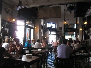 Argentina Travel: Bar Plaza Dorrego