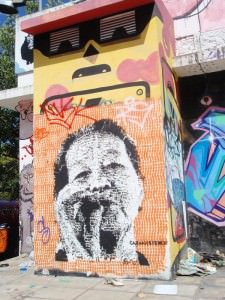 Buenos Aires Street Art - cabaio uses intricate stencils
