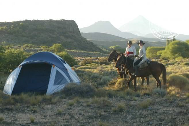 Horseback riding and camping in Patagonia