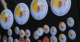 pope-francis-souvenirs