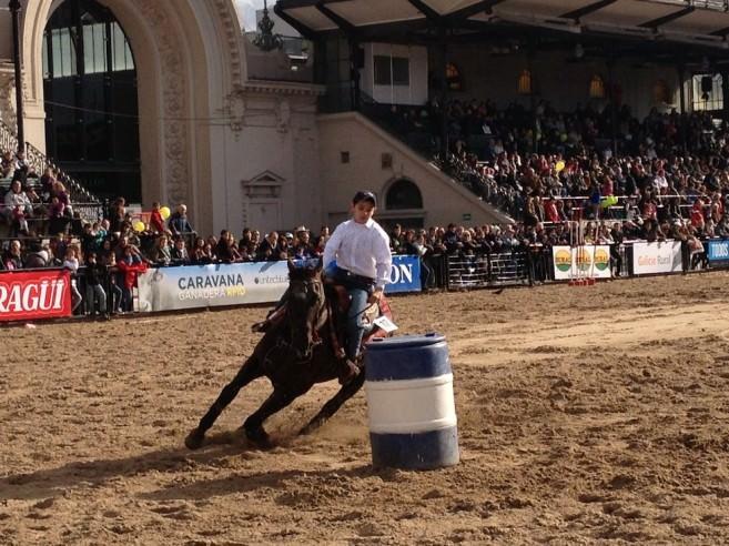 Tweens on horseback