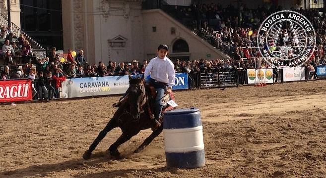 Tweens on horseback pg Olof Danielsson home