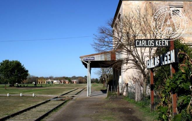 Carlos-Keen-railway-657x415