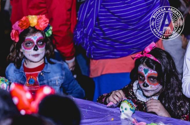 face painted kids muertos