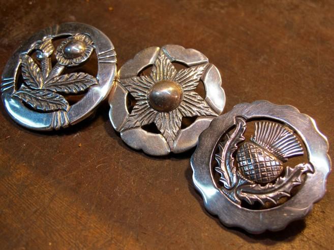 Typical buckle designs (left to right Flor de Cardo de Argentina, Estrella Federal, Flor de Cardo de EscociaScotland.) Ph Sonja D'cruze