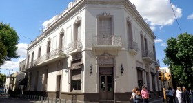 Bar_La_Flor_de_Barracas_Wikipedia